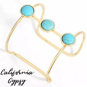 Gold Minimalist Turquoise Bracelet